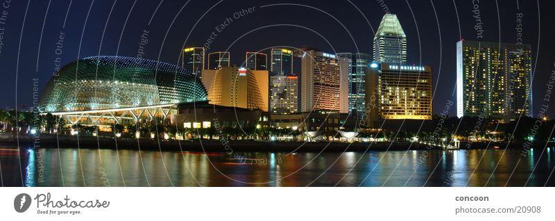 Uniquely Singapore Nacht mehrfarbig erleuchten Los Angeles Skyline