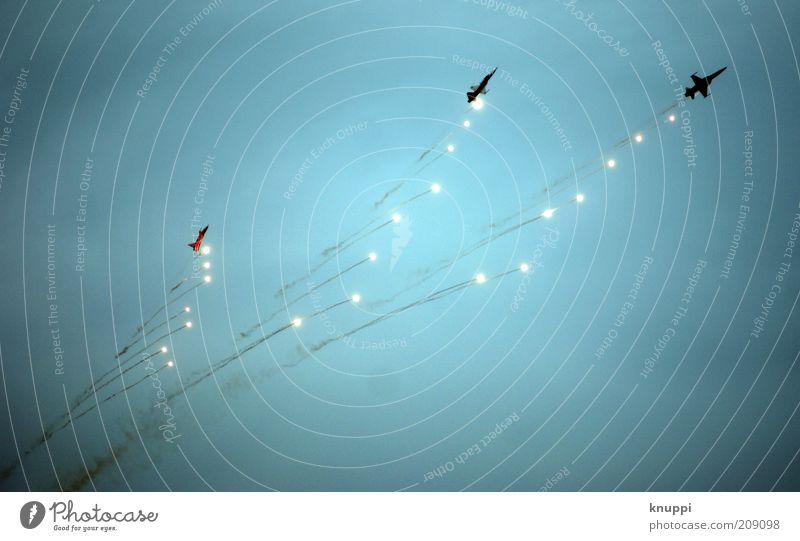 Patrouille Suisse Himmel weiß blau Sommer schwarz Wolken Freiheit Regen Luft Flugzeug fliegen Feuer Geschwindigkeit Europa Luftverkehr Technik & Technologie