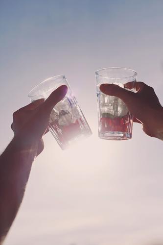 #AS# Zeit zu Feiern Kunst Kunstwerk ästhetisch Getränk Club clubbing Sommer Erfrischung Erfrischungsgetränk Wärme Kühlung 2 Zuprosten cheers Alkohol Party
