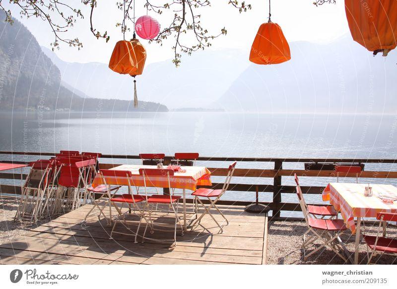 Terasse am See Natur Sommer Ferien & Urlaub & Reisen ruhig Erholung Berge u. Gebirge träumen See Landschaft orange Tisch Tourismus Aussicht Stuhl Dekoration & Verzierung