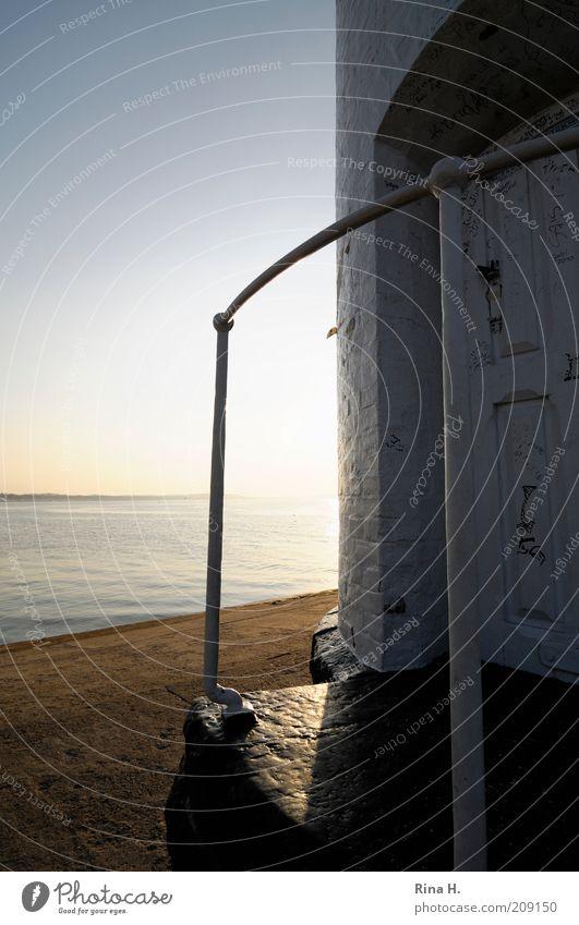 Zu später Stunde Wasser weiß Meer Sommer Strand Ferien & Urlaub & Reisen Glück Gebäude Landschaft Zufriedenheit Stimmung Küste Horizont Insel Tourismus Turm