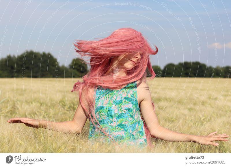 good vibes ||| feminin Mädchen Junge Frau Jugendliche Leben 1 Mensch 8-13 Jahre Kind Kindheit 13-18 Jahre Sommer Schönes Wetter Getreidefeld langhaarig Perücke