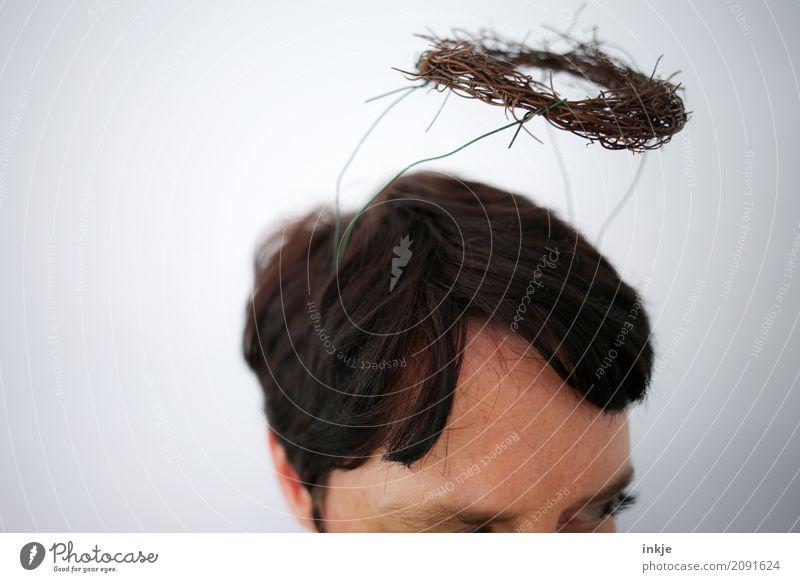 DIY Segen III Lifestyle Freizeit & Hobby Frau Erwachsene Leben Kopf Haare & Frisuren Gesicht 1 Mensch 30-45 Jahre Zeichen Ornament Heiligenschein Kranz