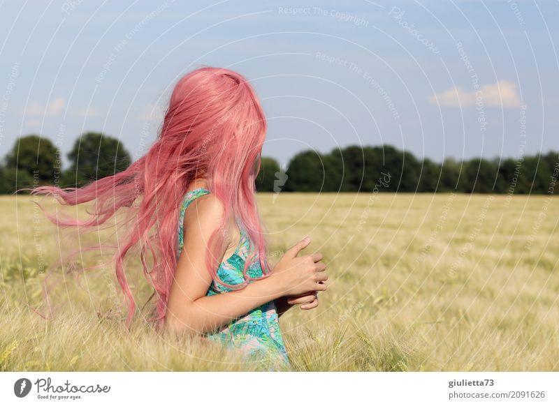 good vibes Mädchen Kindheit Jugendliche Leben 1 Mensch 8-13 Jahre Himmel Wolkenloser Himmel Sommer Schönes Wetter Feld Getreidefeld Kornfeld langhaarig rosa