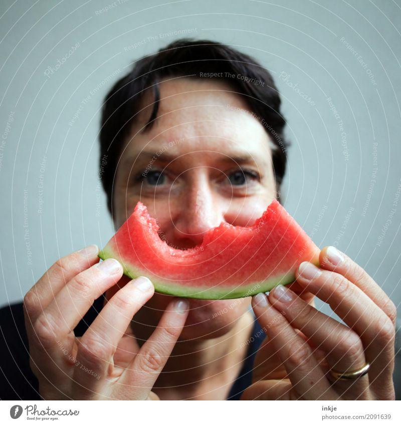 Happy smiling caucasian Woman woke up holding watermelon ! Mensch Frau grün Hand rot Freude Gesicht Erwachsene Essen Leben Lifestyle Gefühle Gesundheit Frucht