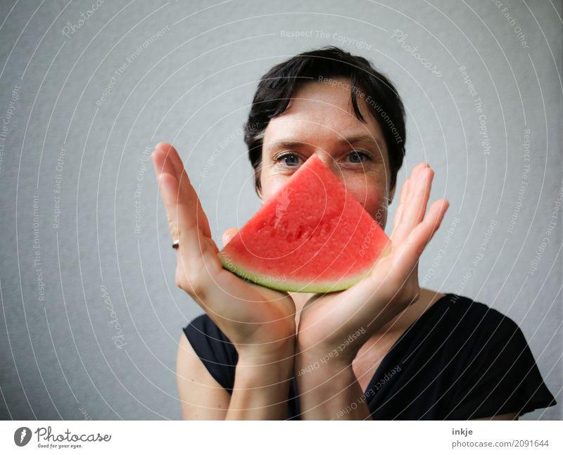 Not so young caucasian happy smiling woman with watermelon Mensch Frau Hand rot Freude Gesicht Erwachsene Leben Lifestyle Gefühle Stil Freizeit & Hobby Frucht