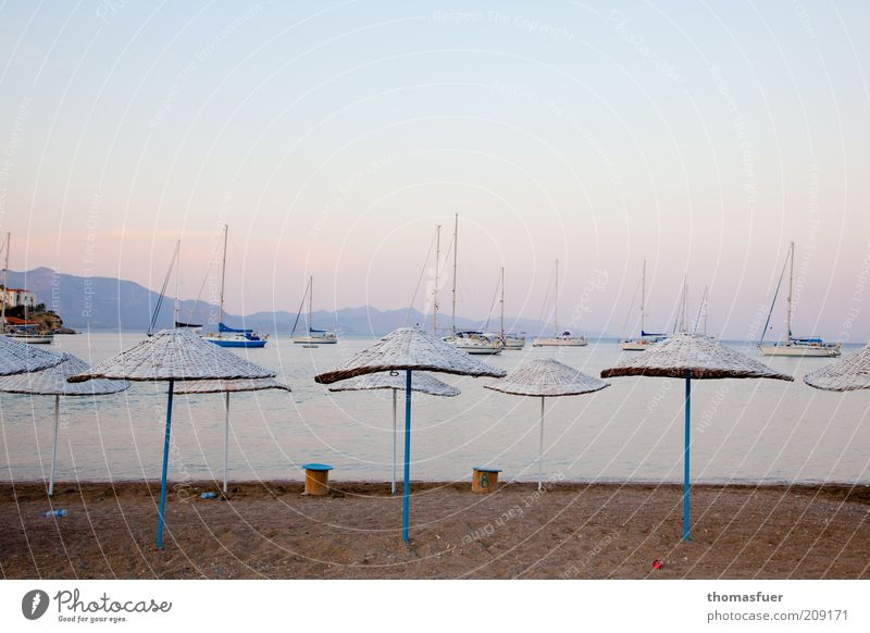 wenn es still wird Ferien & Urlaub & Reisen Tourismus Ferne Sommerurlaub Strand Meer Insel Wasser Himmel Wolkenloser Himmel Schönes Wetter Küste Segelboot