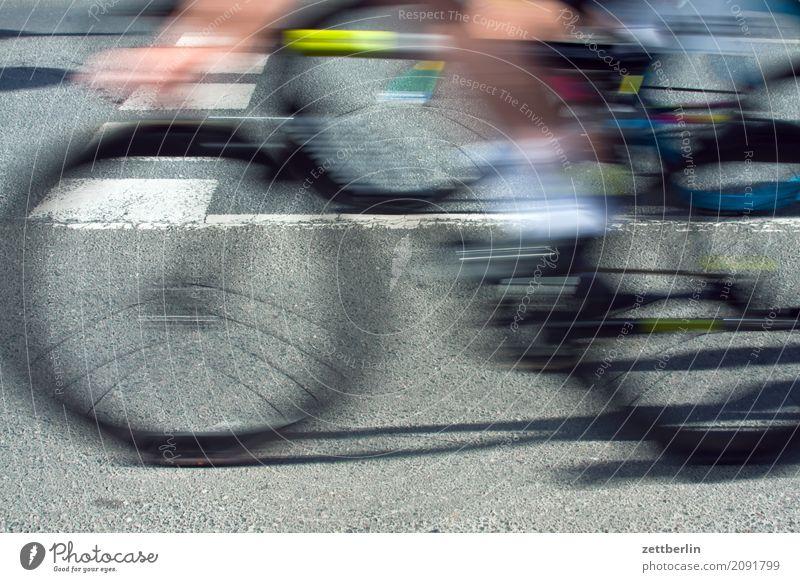 Radrennen Geschwindigkeit Fahrradfahren Eile Rennsport Unschärfe Bewegungsunschärfe Sport Beginn Asphalt
