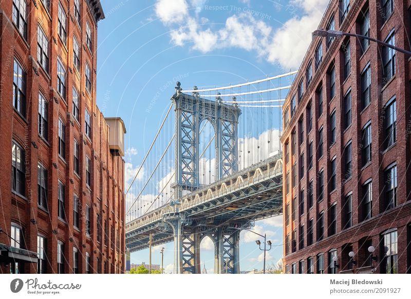 Manhattan Bridge von Dumbo aus gesehen. Sommer Wohnung Himmel Haus Brücke Gebäude Architektur Wahrzeichen Ferien & Urlaub & Reisen New York State Großstadt