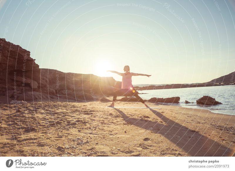 Schatten des Kriegers Mensch Ferien & Urlaub & Reisen Jugendliche Junge Frau Sommer Sonne Meer Erholung ruhig Strand Erwachsene Sport Küste Freizeit & Hobby