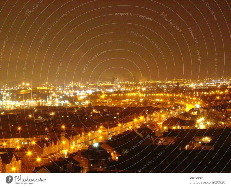 somewhere in the uk.. Stadt Regen Europa Industriefotografie Rauch England Großbritannien Middlesbrough