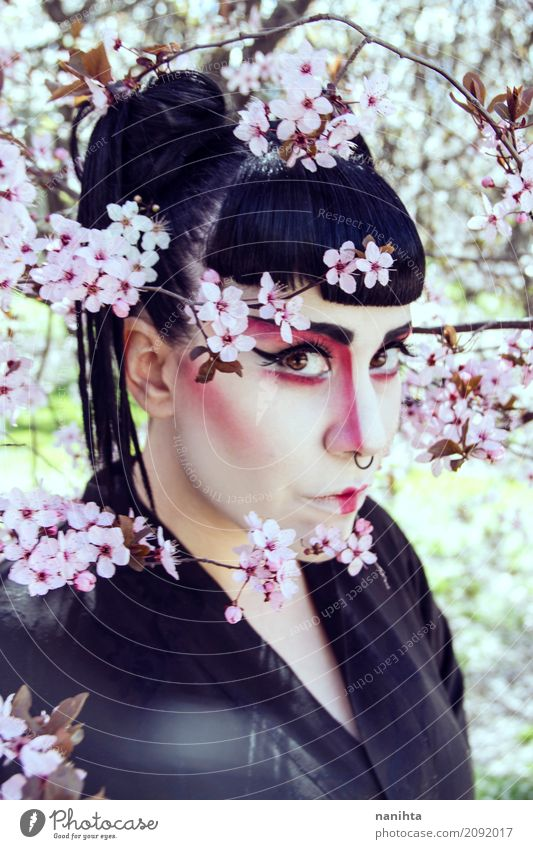 Junge Frau mit Geisha bilden elegant Stil Design exotisch Haare & Frisuren Gesicht Schminke Mensch feminin Jugendliche 1 18-30 Jahre Erwachsene Kunst Kultur