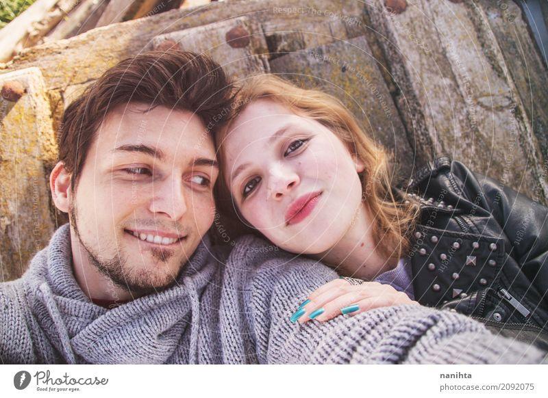 Junge Paare, die Spaß zusammen haben Mensch Jugendliche Junge Frau Junger Mann Freude 18-30 Jahre Erwachsene Leben Lifestyle Liebe feminin Zusammensein