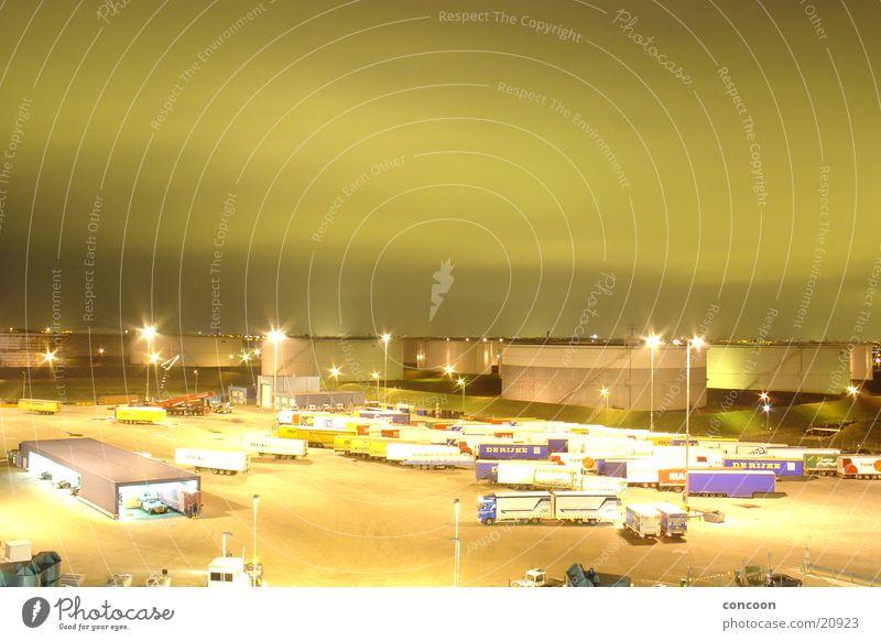 Rotterdam Europort Himmel grün Wolken Hafen Spielzeug Lastwagen Schifffahrt