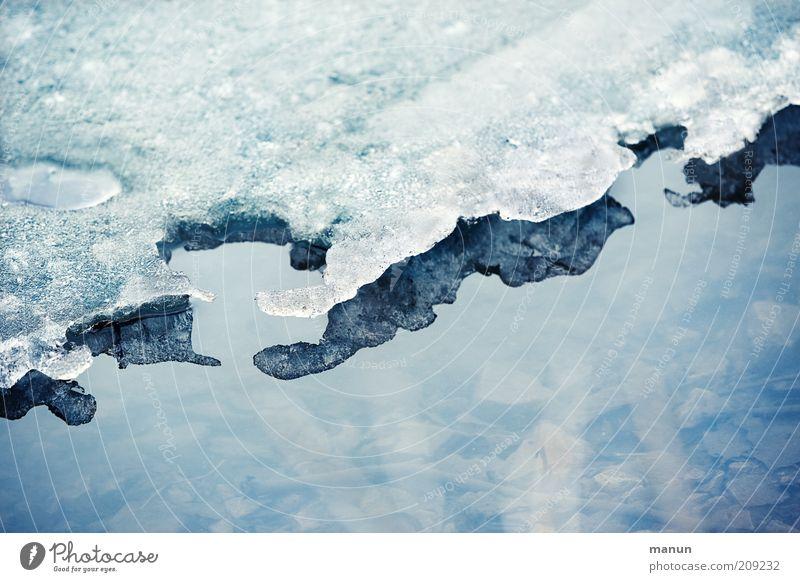 Wassereis Umwelt Natur Winter Klima Eis Frost Schnee Küste Seeufer frieren dünn kalt trist Umweltschutz Zeit tauen Farbfoto Außenaufnahme Tag