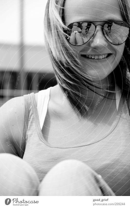 lebensfreude. Frau Mensch Jugendliche Freude Erwachsene feminin Leben Gefühle Kopf Haare & Frisuren Glück Stimmung Zufriedenheit blond Mund sitzen