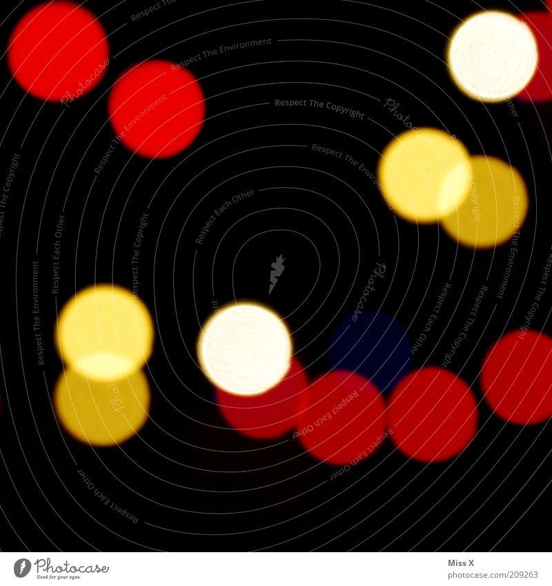.... und Anton dunkel mehrfarbig Lichtspiel Punkt Farbfoto Experiment Menschenleer Nacht Kunstlicht Lichterscheinung Unschärfe Lichtfleck Lichtpunkt Lichtkreis