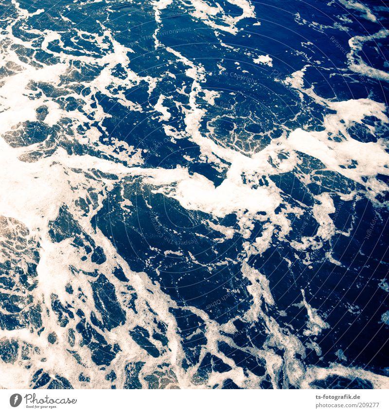 Absturz auf Solaris Natur Wasser weiß Meer blau Wolken Erde Wellen Umwelt nass Weltall Urelemente chaotisch Gischt Wasserwirbel Verwirbelung
