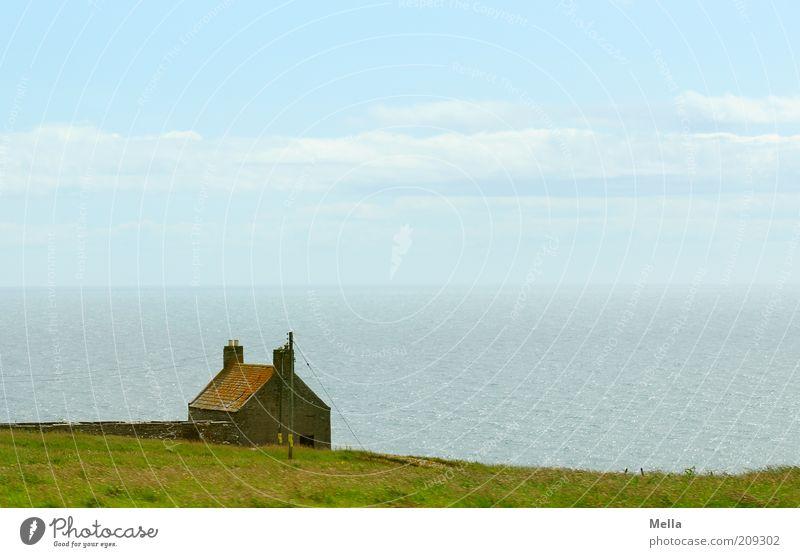 Einsamkeit Natur Wasser Himmel Meer Ferien & Urlaub & Reisen ruhig Haus Ferne Wiese Gefühle Gras Freiheit Landschaft Stimmung Küste