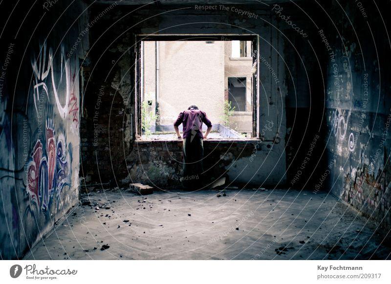 out of the blue Mensch Fenster dunkel Graffiti Wand grau Mauer Gebäude Raum maskulin Beton stehen kaputt trist verfallen Verfall