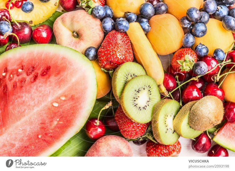 Wassermelone und andere Sommerfrüchte Lebensmittel Frucht Dessert Ernährung Bioprodukte Vegetarische Ernährung Diät kaufen Stil Design Gesunde Ernährung Garten