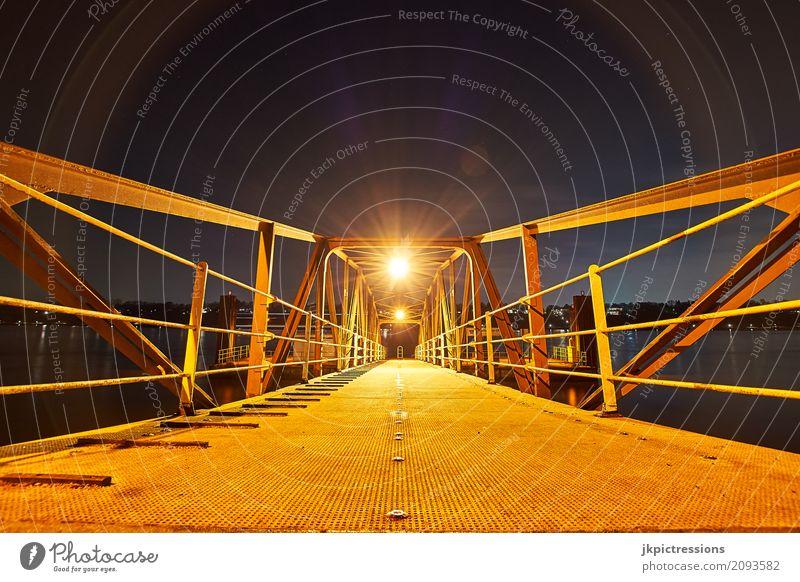 Bubendey - Ufer Brücke Hamburg blau Architektur außergewöhnlich Zufriedenheit elegant ästhetisch historisch Industrie Hafen Stahl Verkehrswege Symmetrie