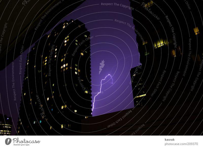 Blitze in der Stadt Umwelt Natur Landschaft Feuer Himmel Gewitterwolken Nachthimmel Sommer Wetter Schönes Wetter schlechtes Wetter Unwetter Toronto Kanada