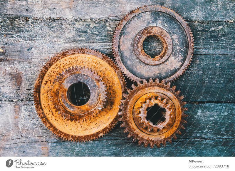 zahn der zeit alt drehen Getriebe kaputt Rost Industrie Industriefotografie Maschine Maschinenbau Maschinenteil Motor Schwerindustrie Stahl verzahnt Zahnrad