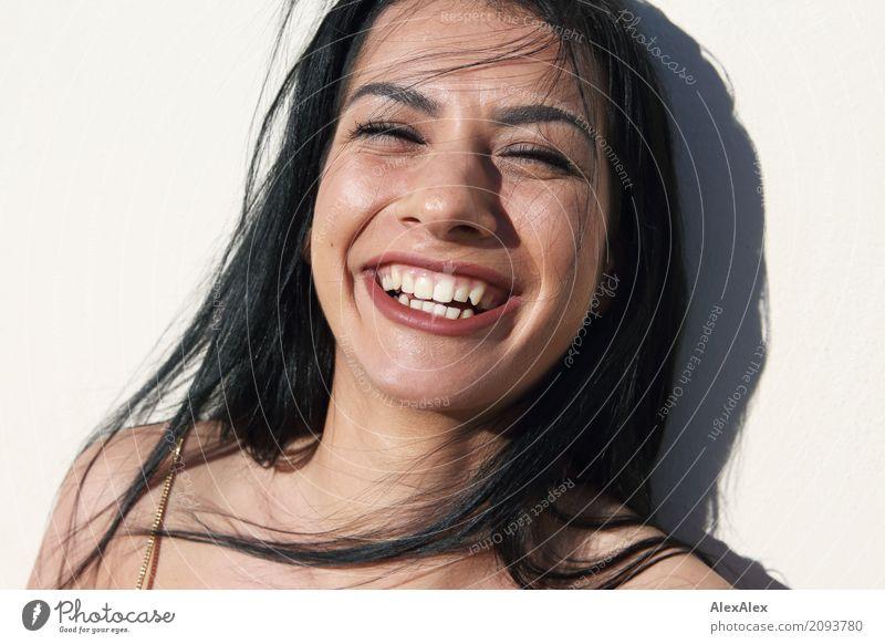 die große freude Jugendliche Junge Frau schön Freude 18-30 Jahre Gesicht Erwachsene Leben Lifestyle natürlich feminin lachen Glück außergewöhnlich wild