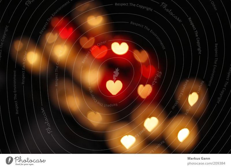 Fliegende Herzen weiß rot Liebe schwarz Gefühle mehrere Romantik Warmherzigkeit Zeichen abstrakt Symbole & Metaphern viele Verliebtheit Lichtspiel Sympathie