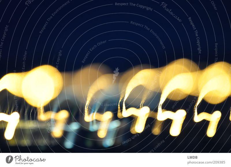 ,O,,,o,O,O blau weiß gelb dunkel hell Feste & Feiern gold rund Feuerwerk Nachthimmel Lichtspiel Verzerrung Nachtleben Lichtpunkt Nachtaufnahme Lichtschein