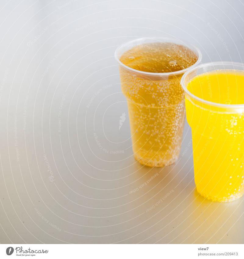 Limo gelb kalt Glas Lebensmittel elegant Getränk süß trist authentisch einfach Sauberkeit dünn Becher Originalität Klischee Saft