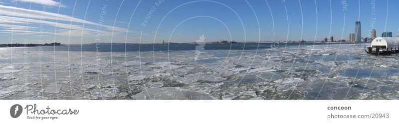 New York Sunday Morning (Panorama) kalt Eis USA Hafen Stadt Skyline New York City Freiheitsstatue Morgen Eisscholle Nordamerika Wintermorgen
