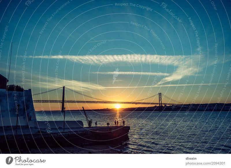 Tejo [2] Angeln Ferien & Urlaub & Reisen Tourismus Ferne Freiheit Sightseeing Städtereise Wasser Himmel Sonne Sonnenaufgang Sonnenuntergang Sonnenlicht Wellen