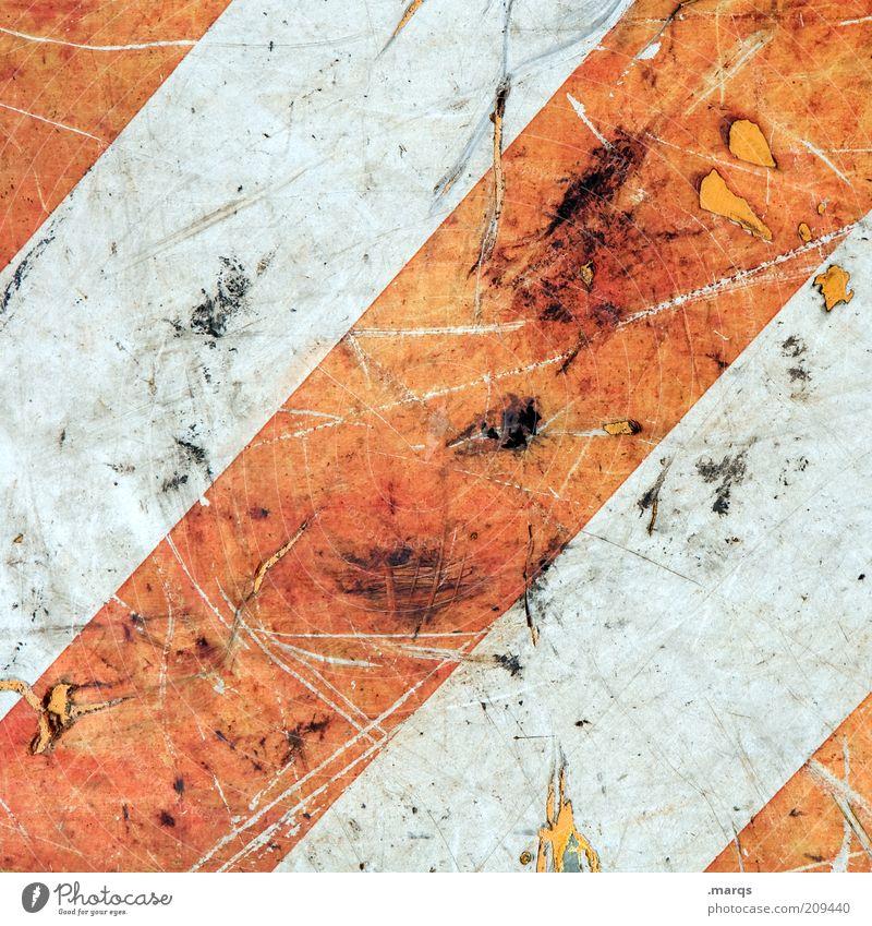 Bake Zeichen Schilder & Markierungen Linie Streifen dreckig einfach kaputt rot weiß Farbe Verfall Wandel & Veränderung Kratzer Farbfoto Detailaufnahme abstrakt