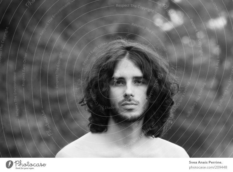 die meisten dinge. maskulin Haut Auge 1 Mensch 18-30 Jahre Jugendliche Erwachsene Umwelt Natur langhaarig Locken Bart Oberlippenbart träumen warten dünn Gefühle