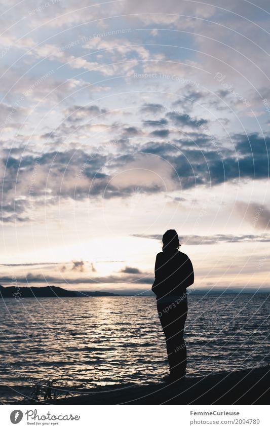 Roadtrip West Coast USA (316) feminin Junge Frau Jugendliche Erwachsene Mensch 18-30 Jahre 30-45 Jahre Abenteuer Pazifik Sonnenaufgang beeindruckend Wellengang