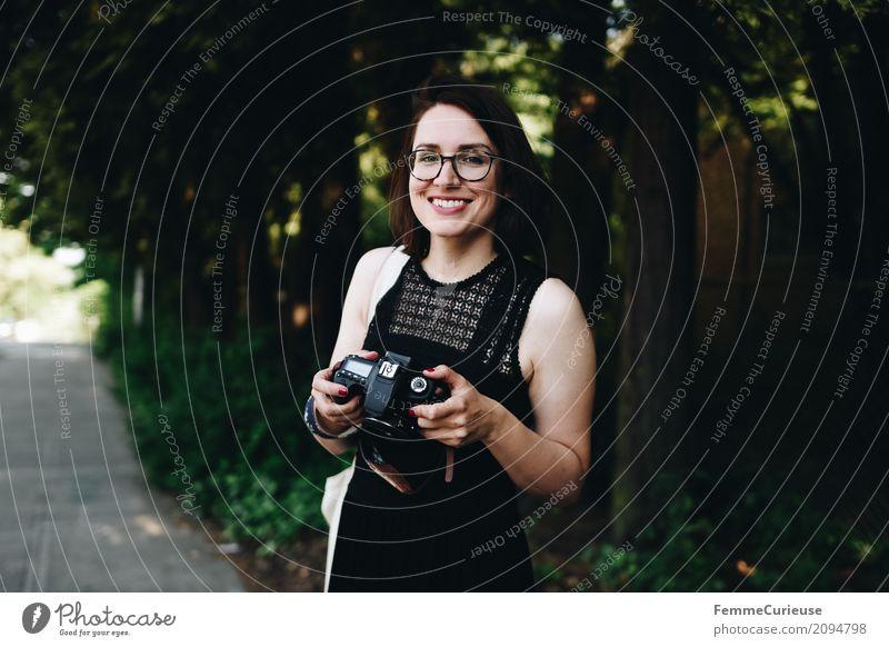 Roadtrip West Coast USA (102) Mensch Frau Jugendliche Junge Frau Sommer Baum 18-30 Jahre Erwachsene feminin Glück Freizeit & Hobby Sträucher Lächeln Fotografie