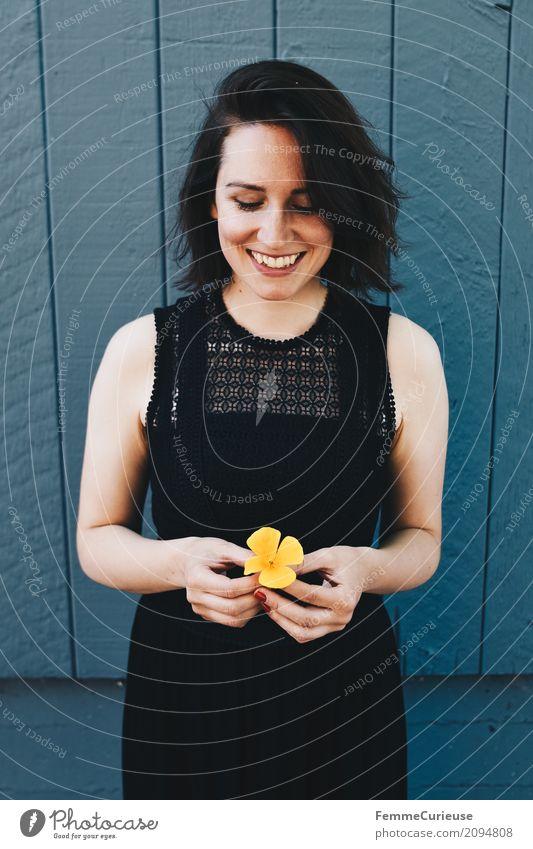 Roadtrip West Coast USA (93) Lifestyle feminin Junge Frau Jugendliche Erwachsene 1 Mensch 18-30 Jahre 30-45 Jahre schön Natur Blüte natürlich attraktiv gelb