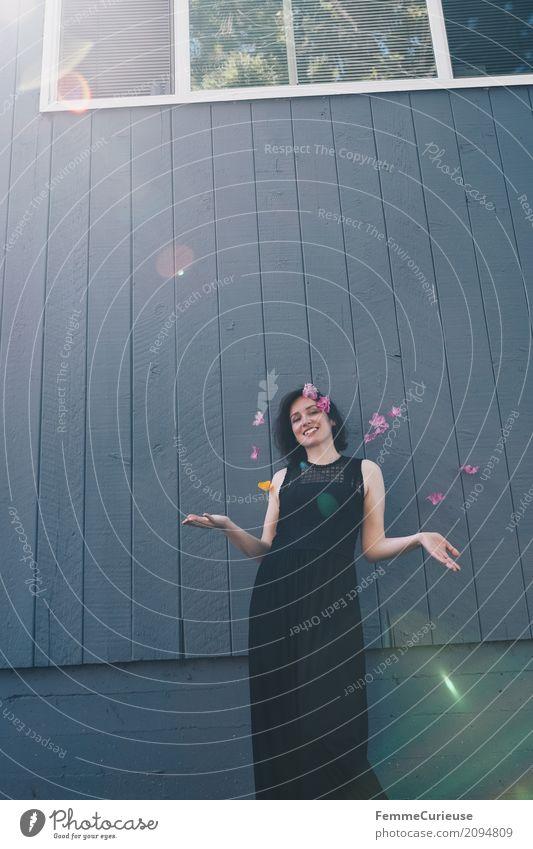 Roadtrip West Coast USA (97) Mensch Frau Jugendliche Junge Frau Sommer schön Hand Freude 18-30 Jahre schwarz Erwachsene Wand Lifestyle Blüte feminin Glück