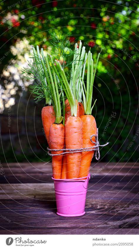 Frische Karotten Gemüse Ernährung Essen Vegetarische Ernährung Diät Garten Tisch Natur Pflanze Blatt Holz frisch natürlich grün rosa reif nützlich Ackerbau