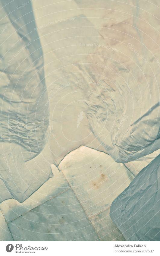 Es weht. Terrasse ästhetisch wehen flattern Luft luftig leicht Buchcover geheimnisvoll mystisch Vorhang Gaze Fliesen u. Kacheln Bodenplatten Marmor Farbfoto