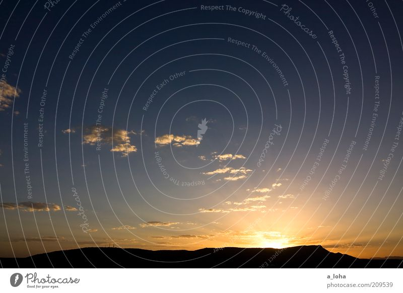 i'm off to alice springs Natur Landschaft Himmel Wolken Horizont Sonne Sonnenaufgang Sonnenuntergang Schönes Wetter Hügel Berge u. Gebirge Gipfel Erholung