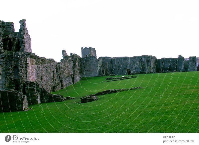 Richmond Castle alt grün Wiese Architektur Rasen Burg oder Schloss Verfall England Zerstörung Großbritannien