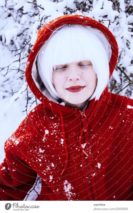 Mensch Natur Ferien & Urlaub & Reisen Jugendliche Junge Frau schön weiß rot Freude Winter 18-30 Jahre Erwachsene Leben kalt Lifestyle Schnee