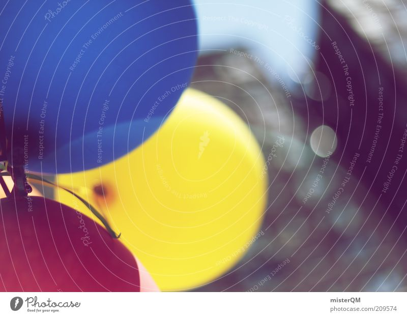 Grand Opening. ästhetisch Eröffnung Luftballon mehrfarbig fliegen Leichtigkeit leicht Schweben Wind blau gelb rot 3 Kontrast Freiheit Kreativität Unschärfe