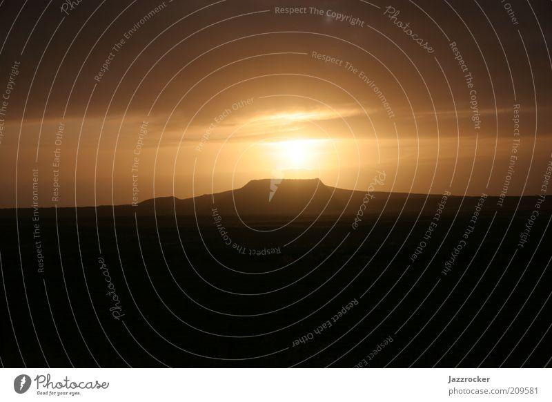 Eldborg Vulcano Iceland Umwelt Natur Landschaft Urelemente Erde Himmel Wolken Sonne Sonnenaufgang Sonnenuntergang Sonnenlicht Nordlicht Vulkan Wüste