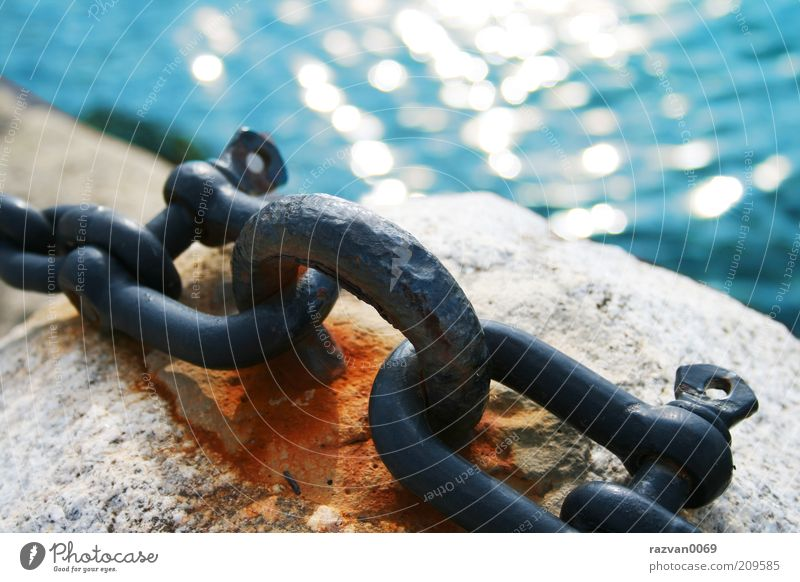 alt Wasser blau weiß Meer Ferien & Urlaub & Reisen Wege & Pfade Küste Stein Wellen Zeit Beton Insel Perspektive Hafen Rost