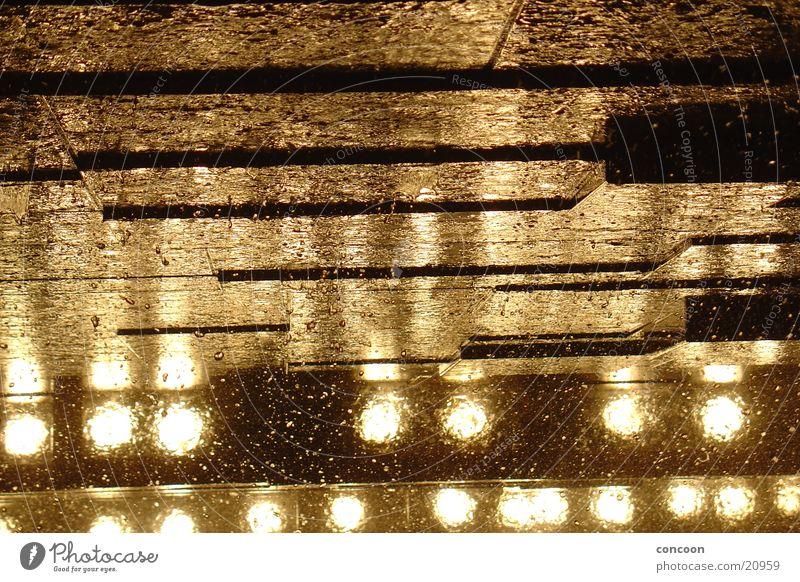 liquid bronze Wasser Regen gold USA New York City Bronze Trump Tower