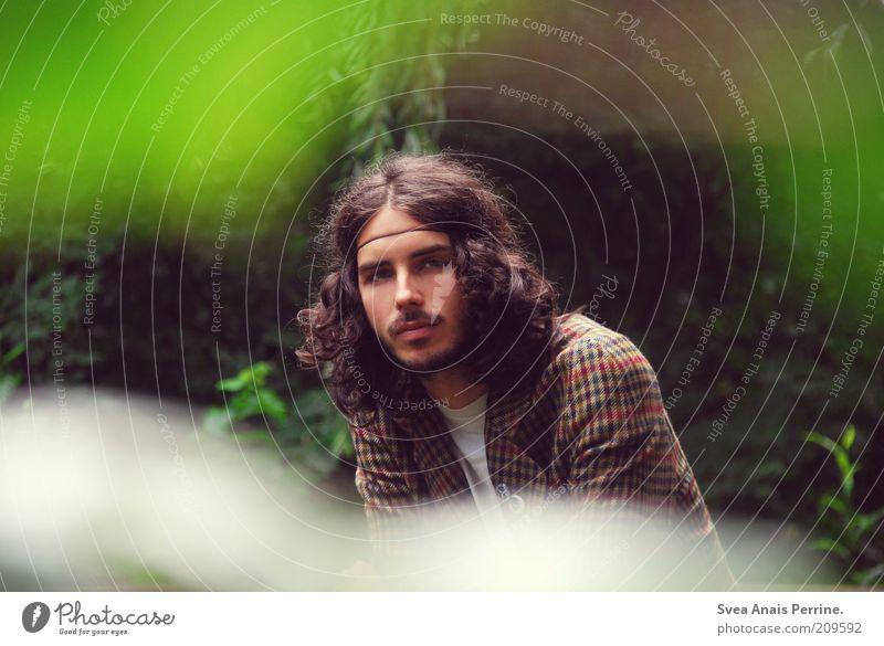 Herr Jemineh Mensch Natur Jugendliche Pflanze Einsamkeit Leben Stil Garten Haare & Frisuren Park Mode Erwachsene maskulin